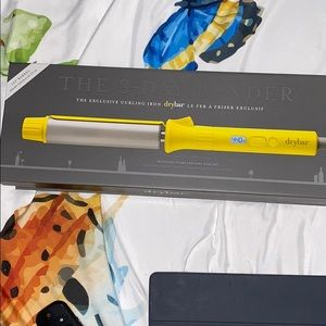 "Drybar The 3-Day Bender 1.25"" barrel curling iron"